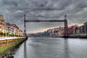 4642065_640px35. Puente de Vizcaya (País Vasco)