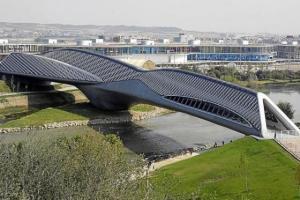 4642089_640px44. Pabellón Puente (Zaragoza, Aragón)