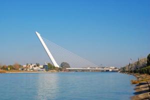 4642118_640px41. Puente del Alamillo (Sevilla, Andalucía)