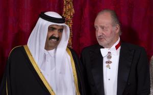 el-rey-don-juan-carlos-junto-al-emir-de-qatar-gtres