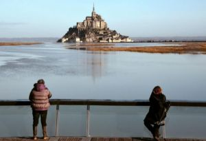 14267886625698Turistas en el Mont Saint Michel el 22 de febrero de 2015