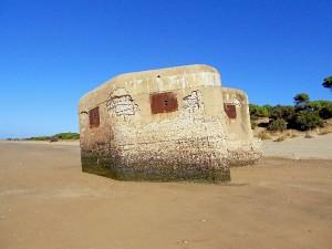 Búnker-Doñana-en-la-playa-Foto-Elin-von-Munthe-página-104-1-300x225