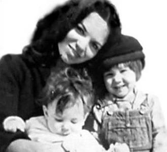 suzanne-elrod-con-sus-hijos-adam-y-lorca